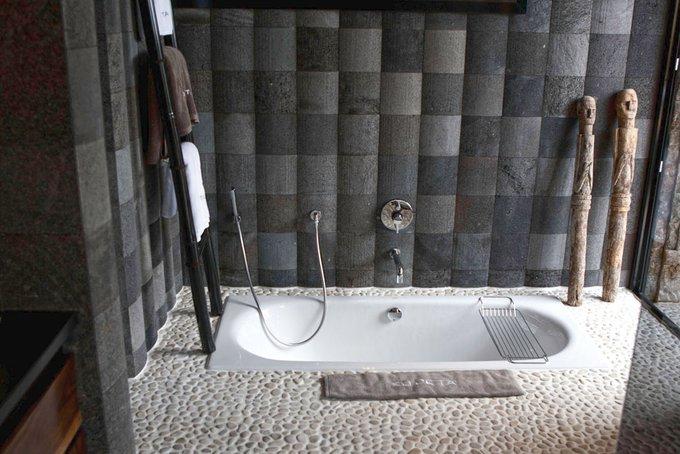kieselstein mosaik dusche: ideen für bad fliesen beige mosaik, Wohnzimmer dekoo