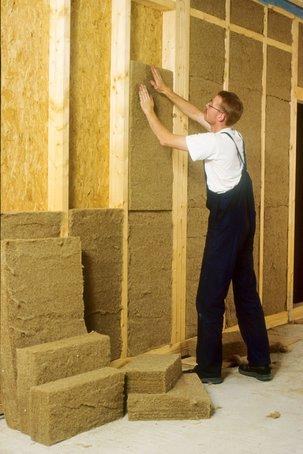 Flachsdämmung ist eine gute und ökologisch einwandfreie Lösung im Innenausbau.