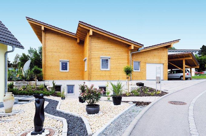 Modernes blockhaus mit pultdach fullwood rosenberg haus