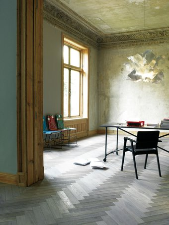 """""""Palazzo Style"""" aus der """"edition 1"""" von Matteo Thun – Walnussholz gebleicht und naturgeölt"""