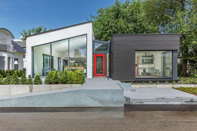 "Neues Lux-Musterhaus ""Fellbach"" : Bungalow im Loftstil"