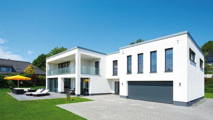 Klassisch-modernes Haus im Bauhaus-Stil von Büdenbender