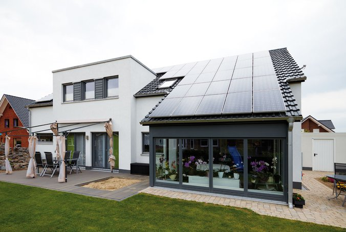 Strom aus Sonne: Photovoltaik-Pakete für Häuser von Gussek