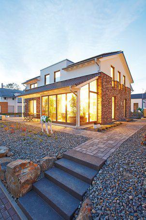 Haus aus Holz – Fassade aus Stein | zuhause3.de