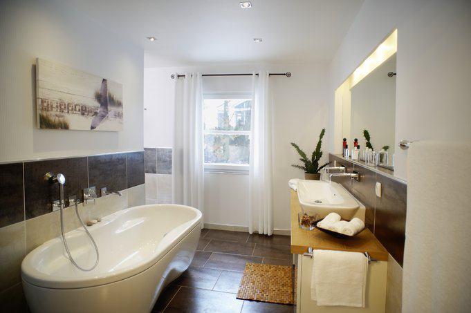 house-1784-badezimmer-im-orlando-von-rensch-haus-1
