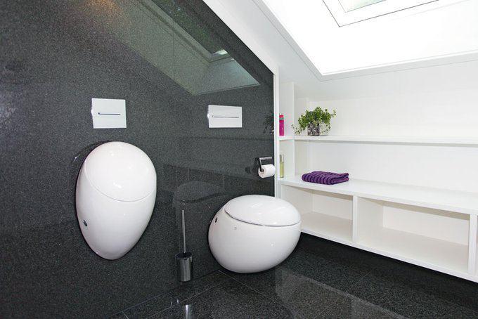 house-2179-elegant-und-grosszuegig-waende-und-boden-im-sanitaerbereich-sind-mit-demselben-belag-versehen-1
