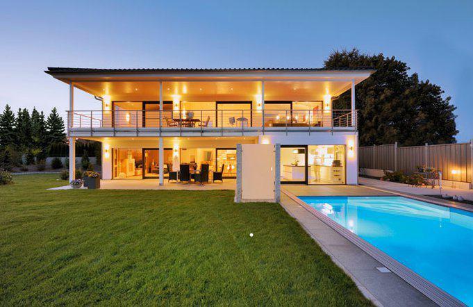 house-3032-stadtvilla-mit-ueppig-ueberdachter-terrasse-baufritz-1