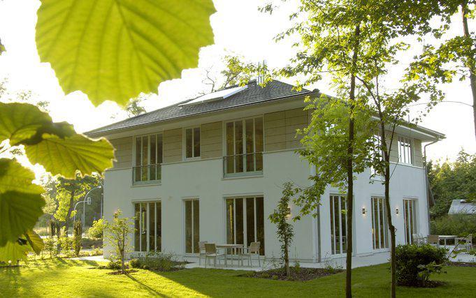 stadtvilla gesundbrunnen von haacke haus. Black Bedroom Furniture Sets. Home Design Ideas