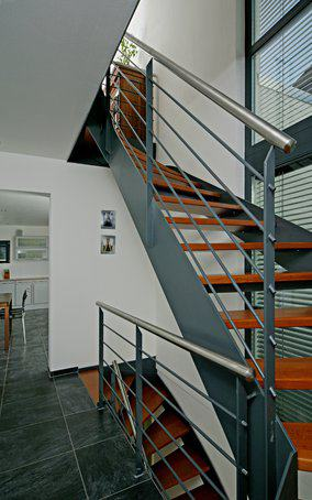 house-1567-flachdach-kubus-nach-art-des-bau-hauses-von-fertighaus-weiss-4