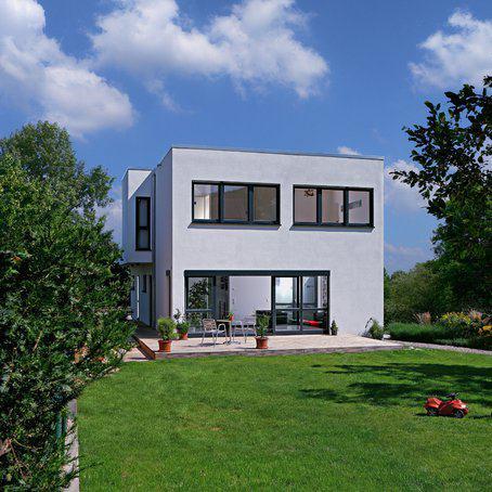 house-1567-flachdach-kubus-nach-art-des-bau-hauses-von-fertighaus-weiss-8