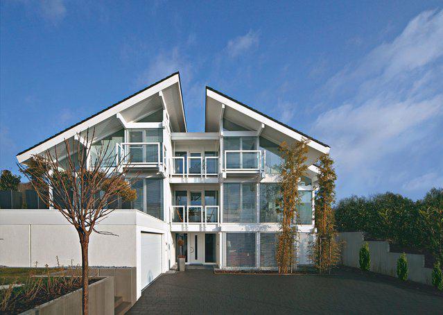 house-1612-aussenansicht-kundenhaus-dr-sutor-1