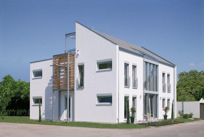 Modernes design doppelhaus mannheim von luxhaus for Modernes haus projekte
