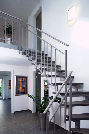 house-1642-treppe-bodenseehaus-musterhaus-villingen-schwenningen-1