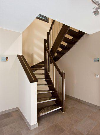 house-1650-treppe-finger-musterhaus-suhr-2