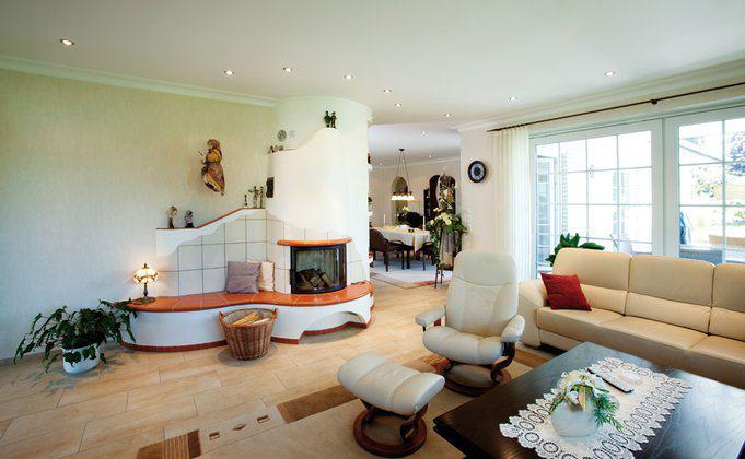 house-1744-baumeister-haus-haus-dittmer-ein-grosszuegiger-moderner-win-kel-bungalow-ohne-treppen-1