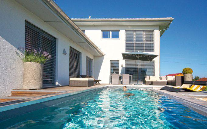 Modernes einfamilienhaus mit pool miraglia von wolf for Modernes einfamilienhaus mit garage