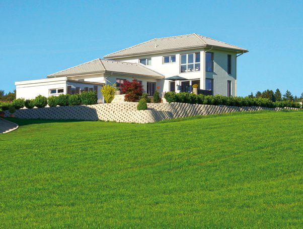 modernes einfamilienhaus mit pool miraglia von wolf. Black Bedroom Furniture Sets. Home Design Ideas
