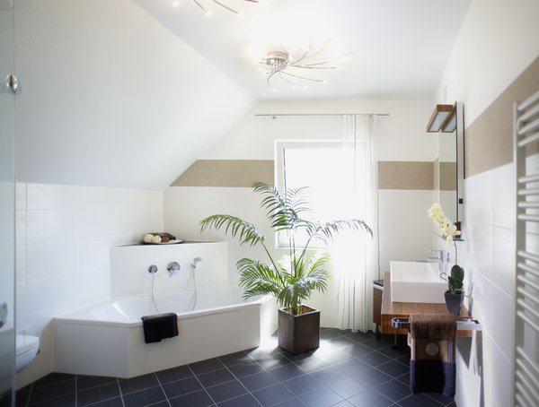 house-1995-badezimmer-im-haus-ulm-von-rensch-haus-1