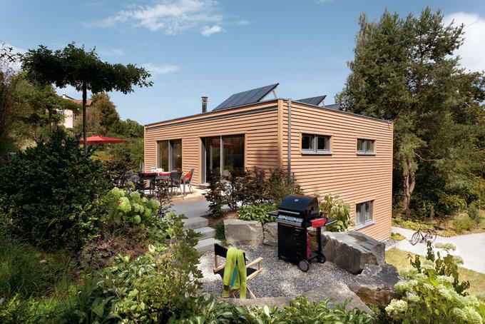 Eleganter kubus fertighaus von schw rerhaus for Fertighaus kubus
