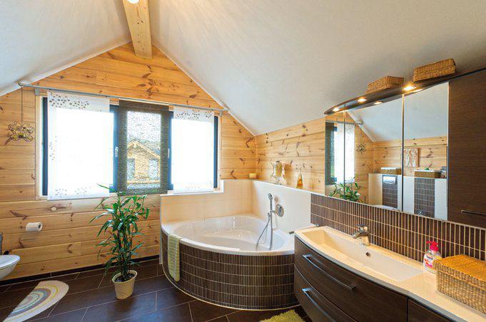 house-2190-das-badezimmer-im-fullwood-holzhaus-der-koeders-2