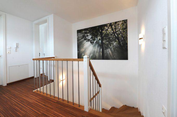 house-2193-der-kubische-baustil-war-der-wunsch-an-die-architektur-charaktervoll-gemasertes-stabholzparkett-f-1
