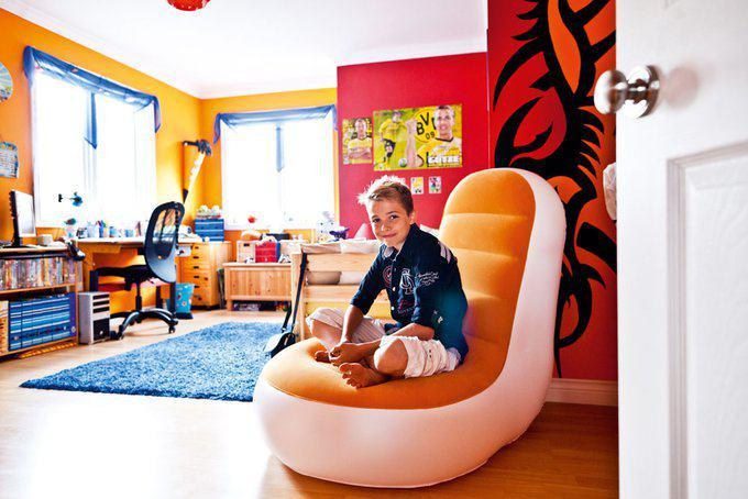 house-2266-die-farben-fuer-sein-zimmer-im-obergeschoss-durfte-der-11-jaehrige-marvin-selbst-aussuchen-1