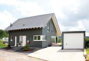 house-2298-chalet-trifft-bauhaus-hf-haus-von-lehner-1