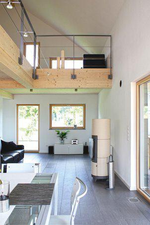 house-2298-eine-galerie-ueber-dem-wohn-und-essbereich-fussbodentiefe-fenster-und-eine-raumhoehe-ueber-dem-ue-1