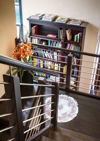 house-2357-die-zentral-gelegene-elegante-treppe-1