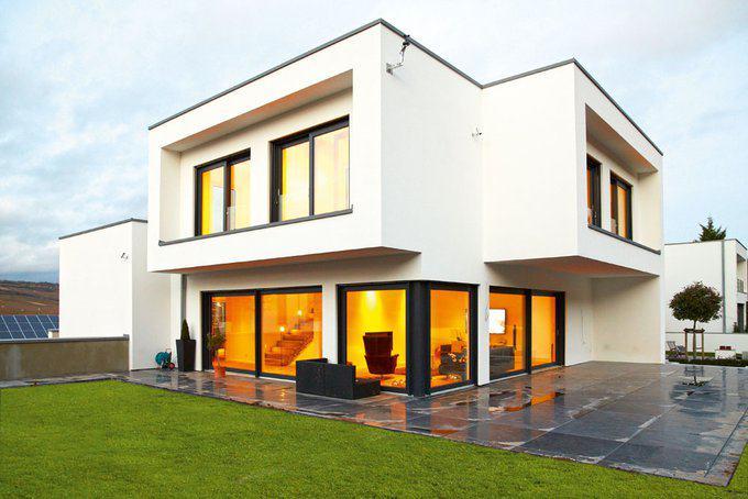house-2435-die-l-foermige-terrasse-wird-durch-die-auskragungen-schuetzend-ueberdacht-2