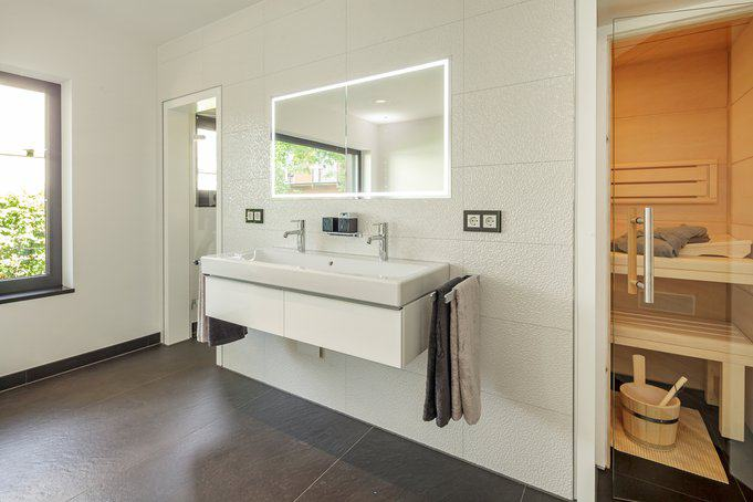 house-2602-neues-lux-musterhaus-fellbach-badezimmer-2