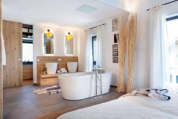 Landhaus plan 492 1 von schw rerhaus for Badewanne schlafzimmer