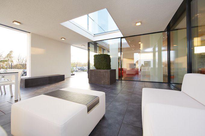 house-2677-ein-lichtschacht-wird-zur-klimaanlage-und-sorgt-im-sommer-fuer-frischluft-1