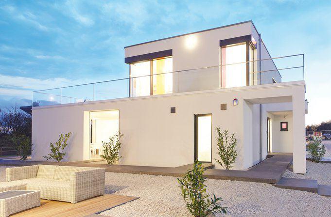 house-2677-ein-weg-verbindet-die-offenen-zugaenge-zur-terrasse-mit-der-eingangstuer-1