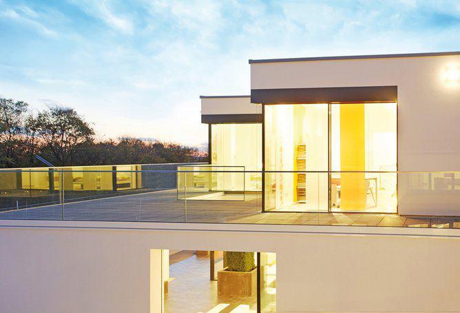 house-2677-glasfronten-auch-im-dachgeschoss-mit-nahtlosem-zugang-vom-kinder-als-auch-vom-schlafzimmer-2