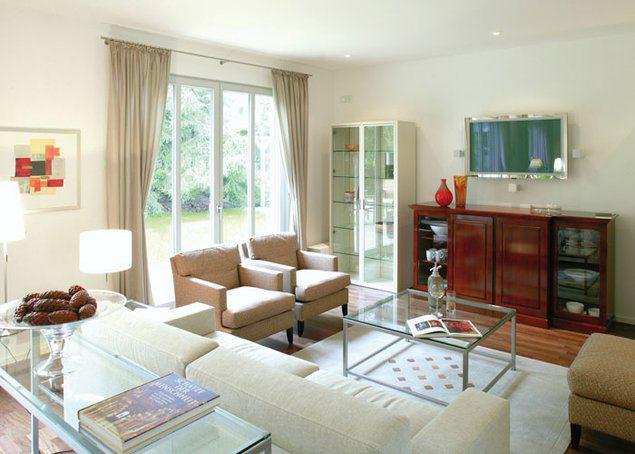house-2740-innen-bietet-die-grosszuegige-stadtvilla-durch-die-raumhoehe-von-2-70-metern-feudalen-charme-2