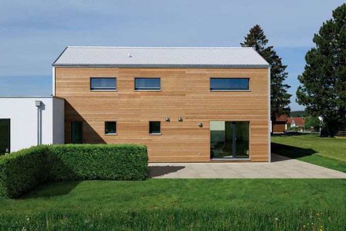 house-2760-der-trikomplex-auf-einem-grundstueck-arbeiten-wohnen-parken-2