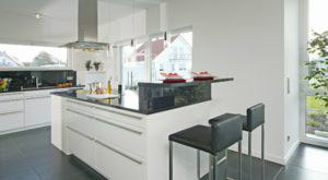 house-302-kueche-musterhaus-style-von-fertighaus-weiss-2