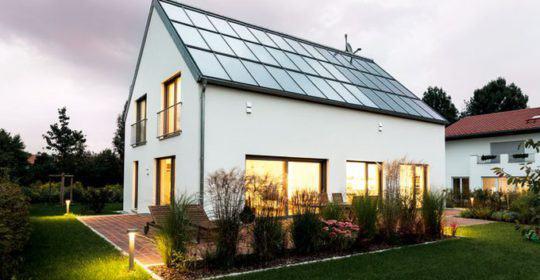 Photovoltaik und Solarthermie als Indach-Lösung