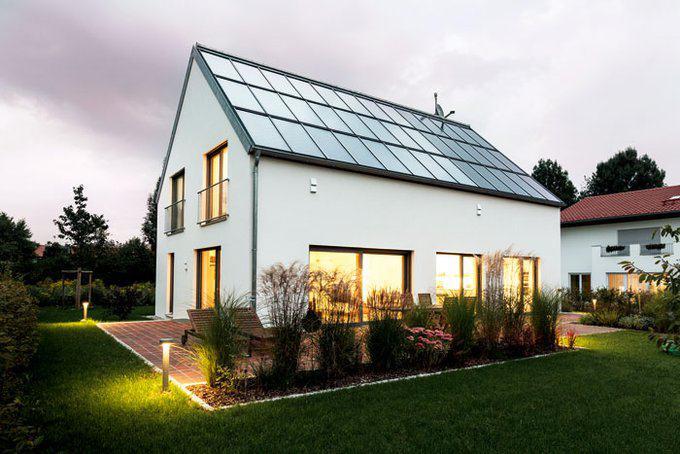 house-3067-die-indach-loesung-vereint-elegant-photovoltaik-und-solarthermie-foto-schlagmann-poroton