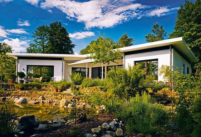 bauhaus bungalow von haacke haus. Black Bedroom Furniture Sets. Home Design Ideas