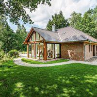 bungalow mit loftcharakter von viebrockhaus. Black Bedroom Furniture Sets. Home Design Ideas