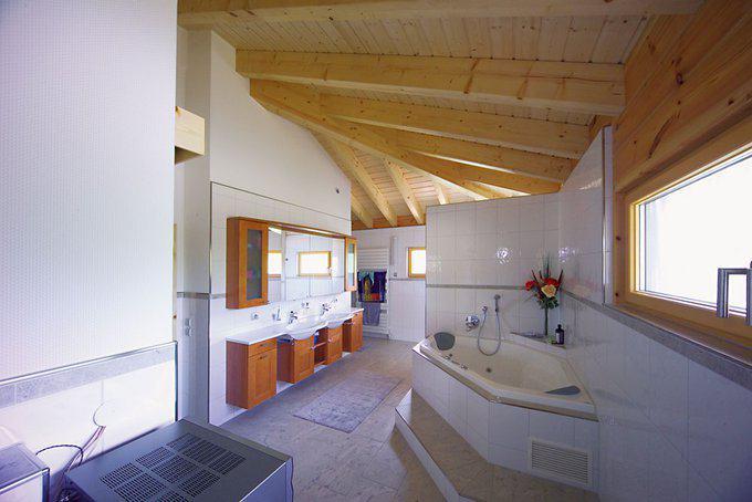 house-402-badezimmer-haus-elsass-von-fullwood-wohn-blockhaus-1