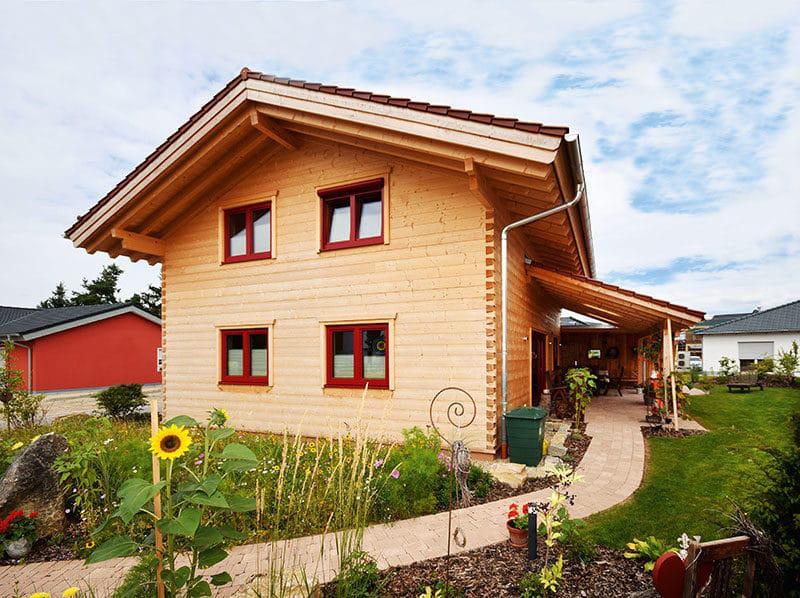 Blockhaus Frankfurt - Aussenansicht (Chiemgauer Holzhaus)