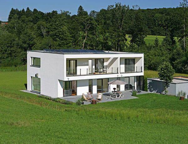 Ehrenbach-Aussenansicht-Garten