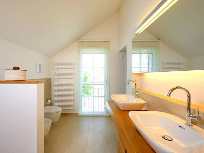 Badezimmer im Landhaus Motz-Russ von Baufritz
