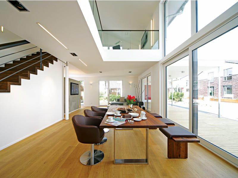 sicht licht und weite mit viel glas. Black Bedroom Furniture Sets. Home Design Ideas