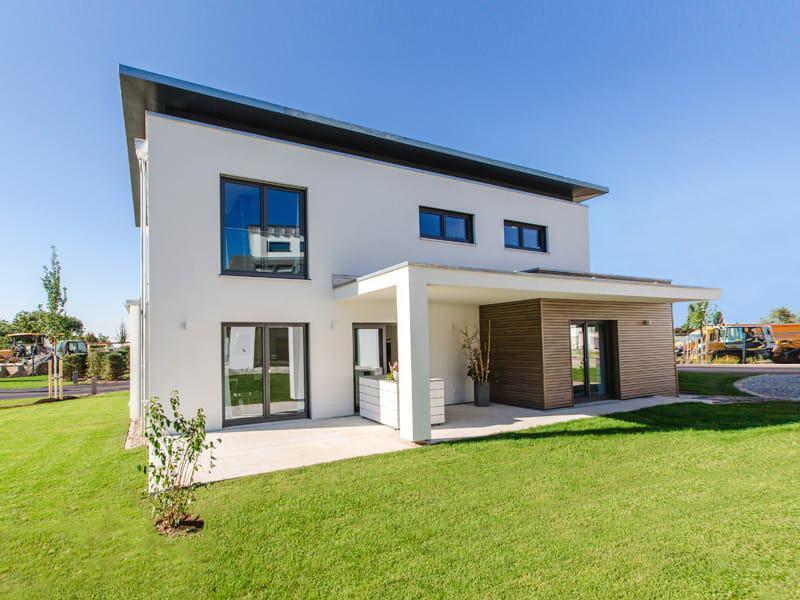 Fischerhaus_Musterhaus-Cube-X_Aussen_Gartenseite