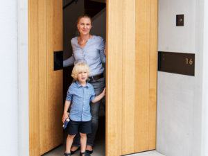 Eingangstür mit Familie Witt