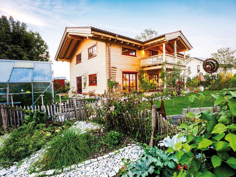 web_Blockhaus Innsbruck Chiemgauer Garten